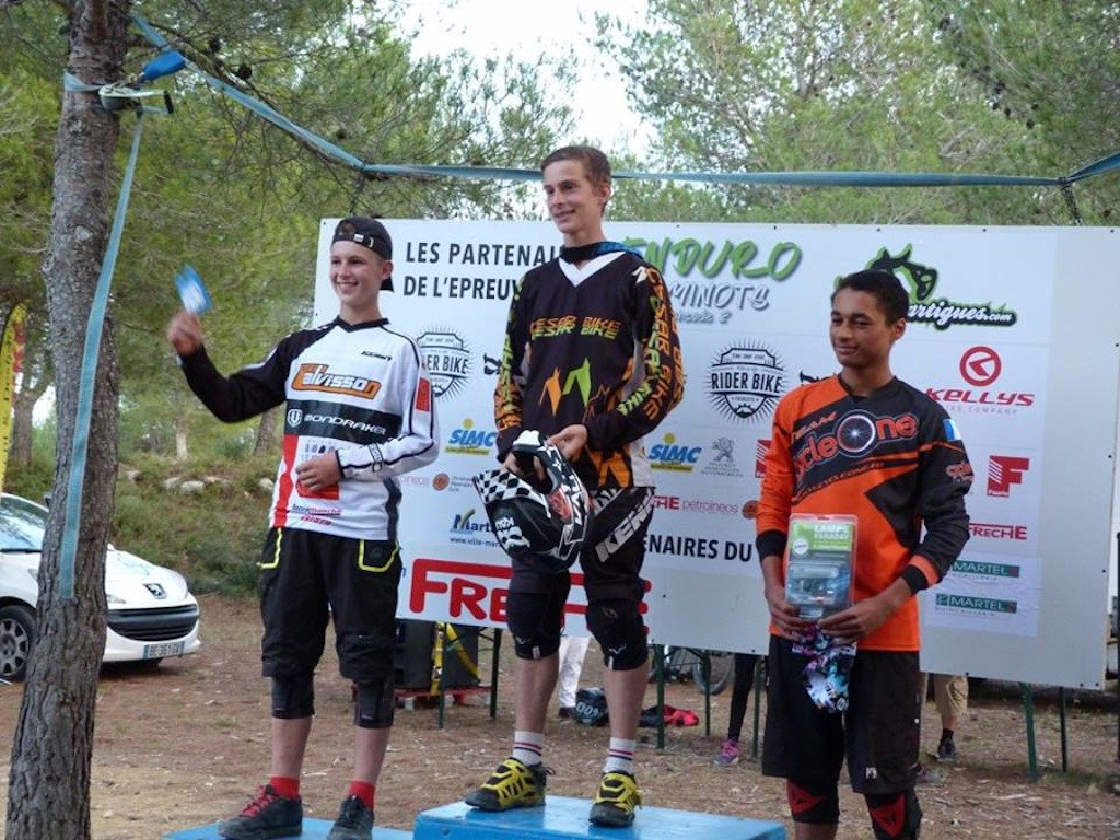 enduro-martigues-podium